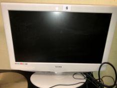 SMALL TECHNIKA HD DVD TV