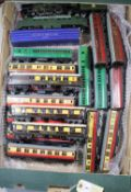17x Hornby Dublo railway items for 3-rail running. Including 2x BR locomotives; A Class 55 Deltic