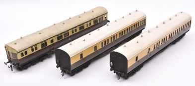 3x O gauge coarse scale GWR corridor coaches. Kit-built on wooden chassises. An Autocoach, 187.