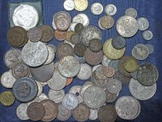 A mixed lot of GB and world coins.