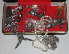 Jewellery box with a selection of silver and other vintage jewellery etc.