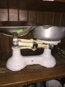 Kitchen scales with weights Catalogue only, live bidding available via our website, if you require
