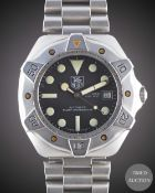 A GENTLEMAN'S STAINLESS STEEL TAG HEUER SUPER PROFESSIONAL 1000 METERS AUTOMATIC DIVERS BRACELET