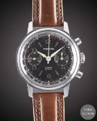 A GENTLEMAN'S WAKMANN CHRONOGRAPH WRIST WATCH CIRCA 1960s, WITH GLOSS BLACK DIAL Movement: 17J,