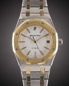 A GENTLEMAN'S STEEL & GOLD AUDEMARS PIGUET ROYAL OAK AUTOMATIC BRACELET WATCH CIRCA 1990s, REF.
