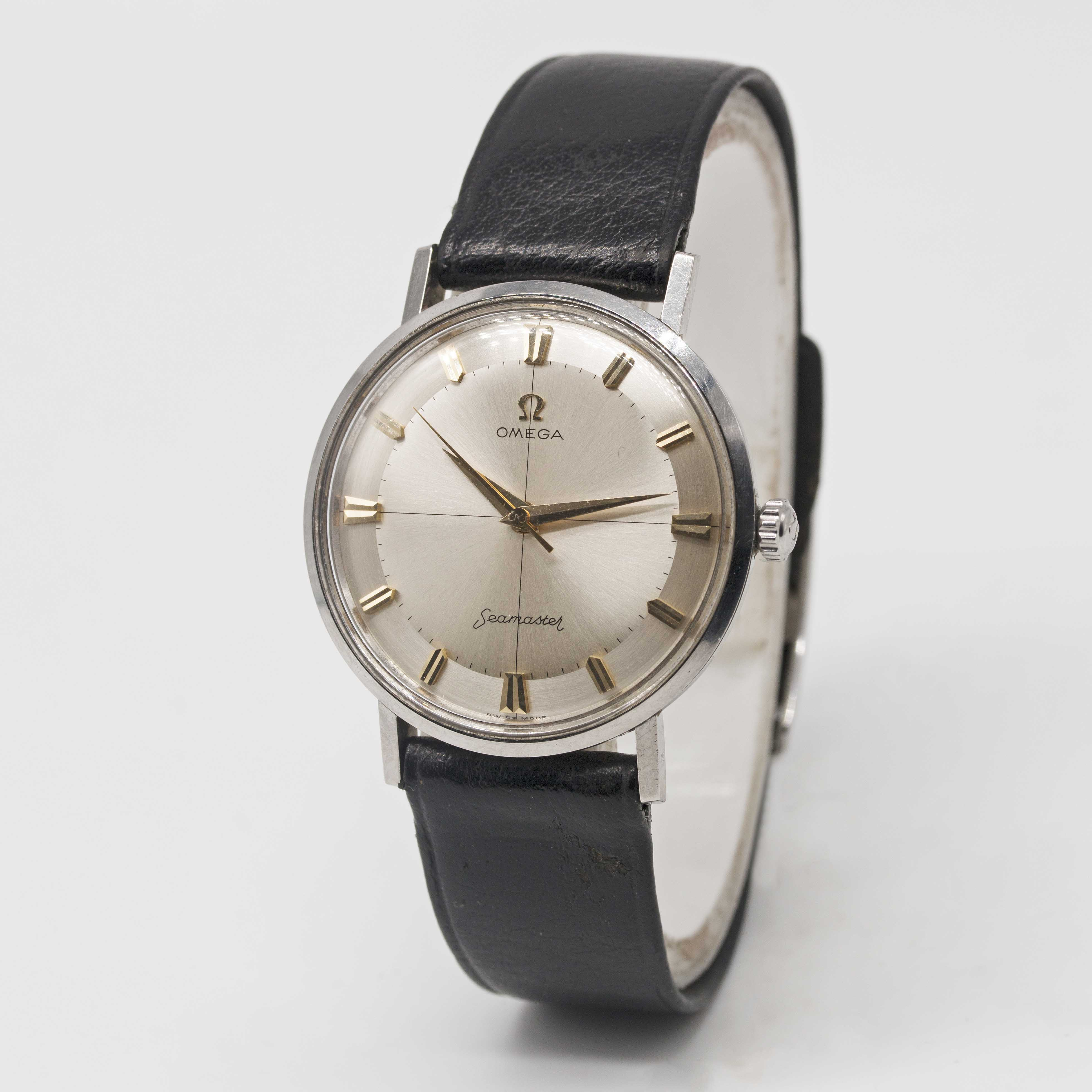 """Lot 19 - A GENTLEMAN'S STAINLESS STEEL OMEGA SEAMASTER AUTOMATIC WRIST WATCH CIRCA 1960s, WITH """"PIE PAN"""" TYPE"""