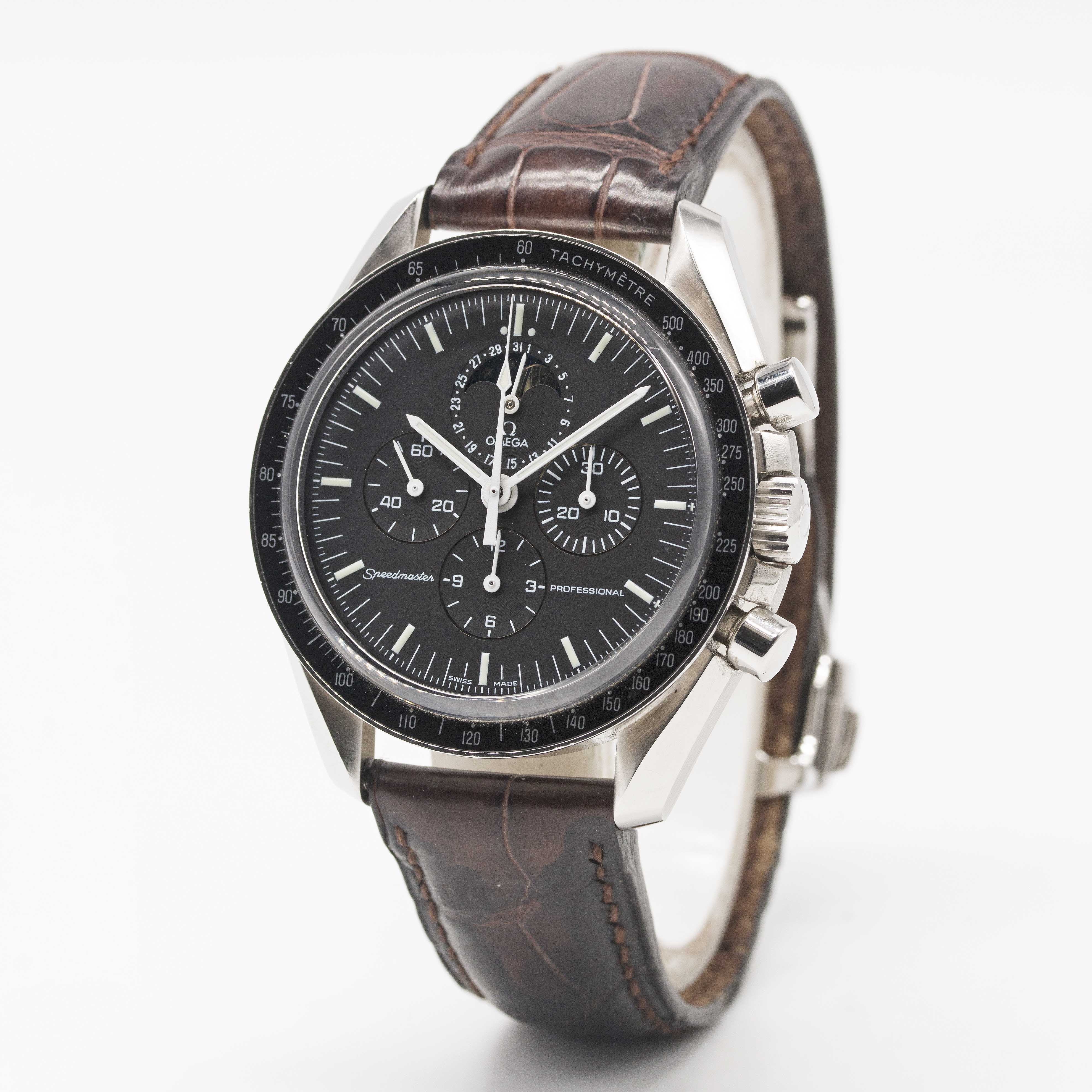 Lot 15 - A GENTLEMAN'S STAINLESS STEEL OMEGA SPEEDMASTER PROFESSIONAL MOONPHASE CHRONOGRAPH WRIST WATCH CIRCA
