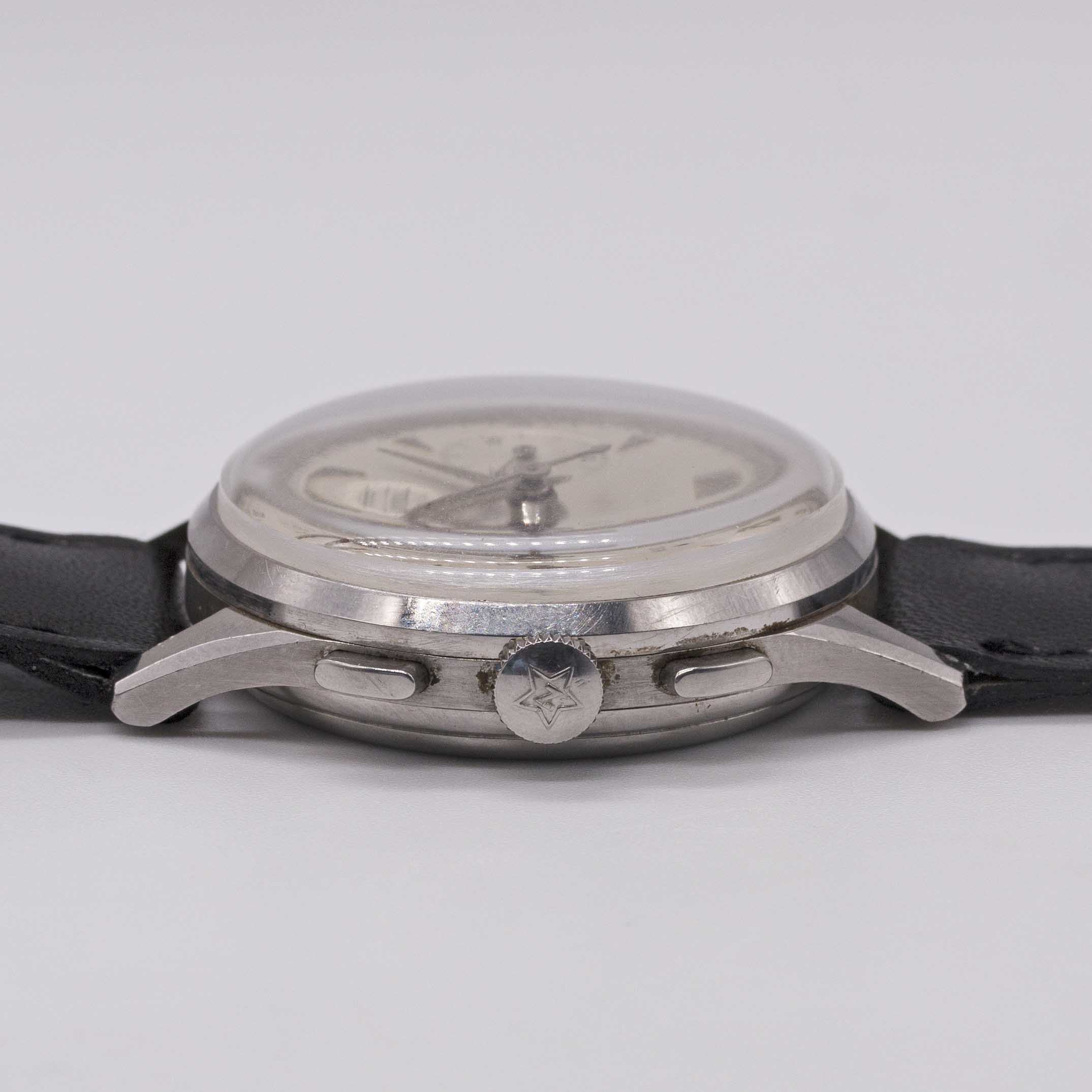 Lot 3 - A GENTLEMAN'S STAINLESS STEEL ZENITH CHRONOGRAPH WRIST WATCH CIRCA 1960, WITH CAL. 156H MOVEMENT