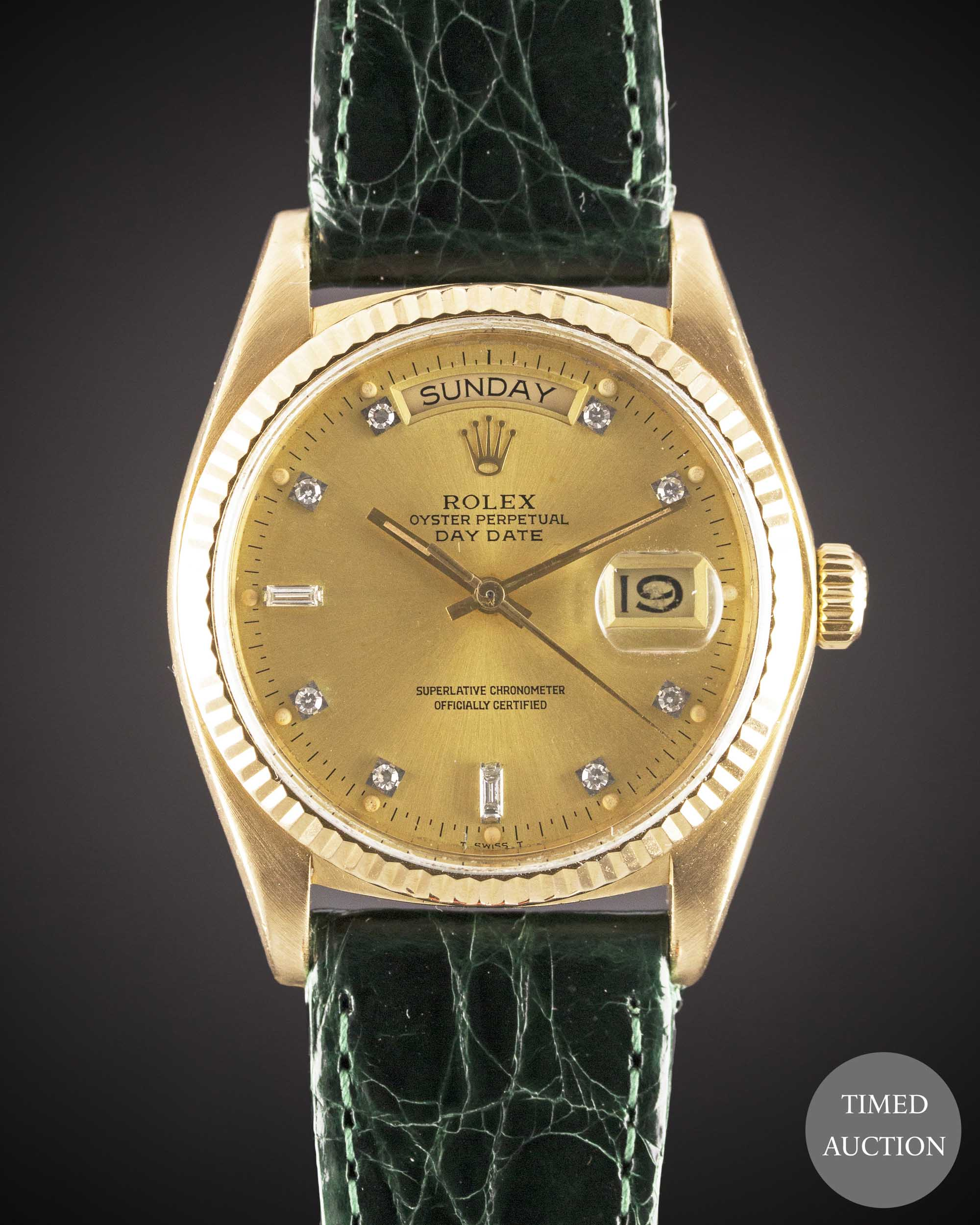 Lot 29 - A GENTLEMAN'S 18K SOLID YELLOW GOLD ROLEX OYSTER PERPETUAL DAY DATE WRIST WATCH CIRCA 1984, REF.