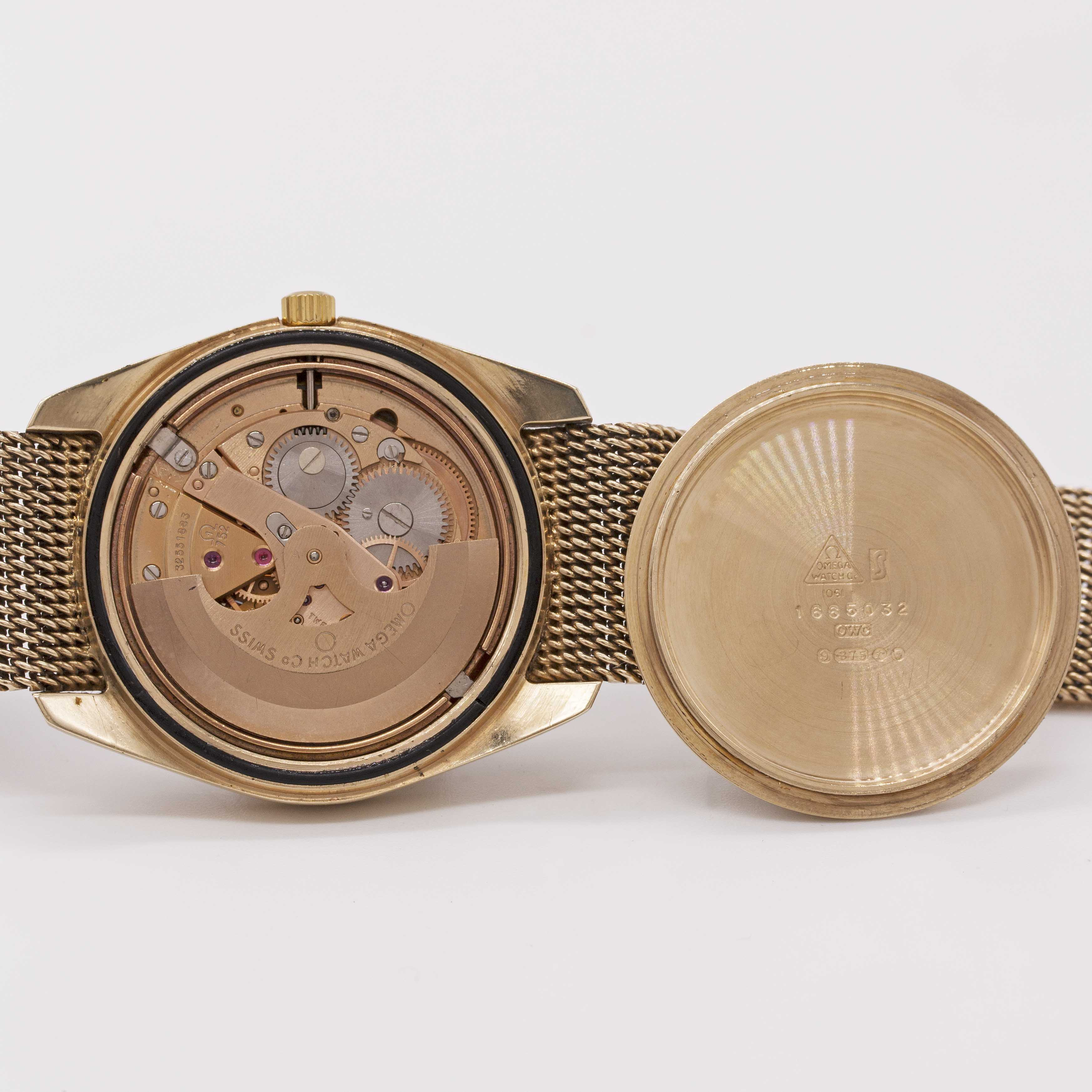 Lot 21 - A GENTLEMAN'S 9CT SOLID GOLD OMEGA AUTOMATIC BRACELET WATCH CIRCA 1973 Movement:24J, automatic,