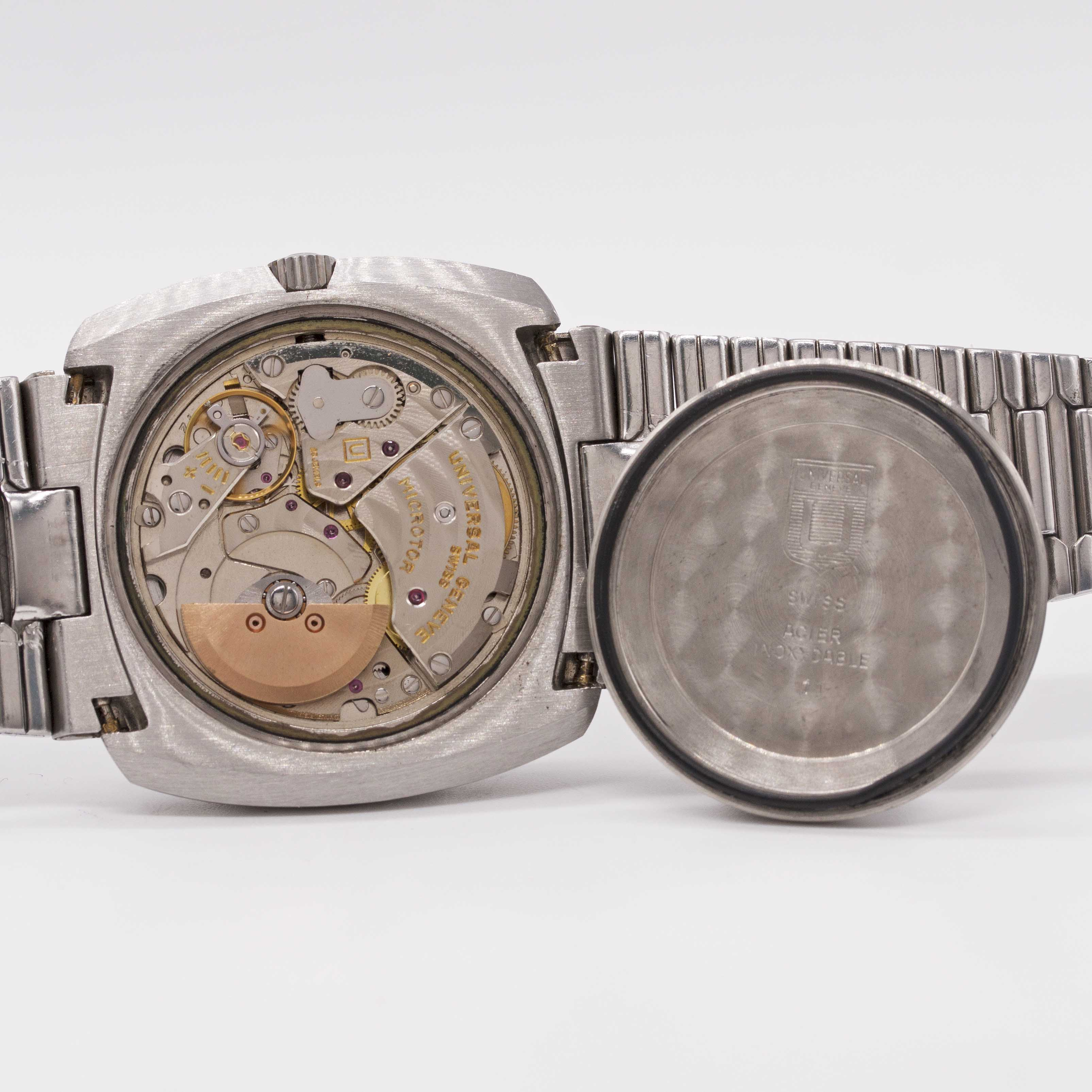 Lot 6 - A GENTLEMAN'S STAINLESS STEEL UNIVERSAL GENEVE POLEROUTER AUTOMATIC BRACELET WATCH CIRCA 1979,