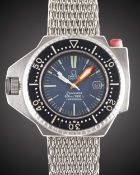 """A GENTLEMAN'S STAINLESS STEEL OMEGA SEAMASTER PROFESSIONAL 600 """"PLOPROF"""" DIVERS BRACELET WATCH DATED"""
