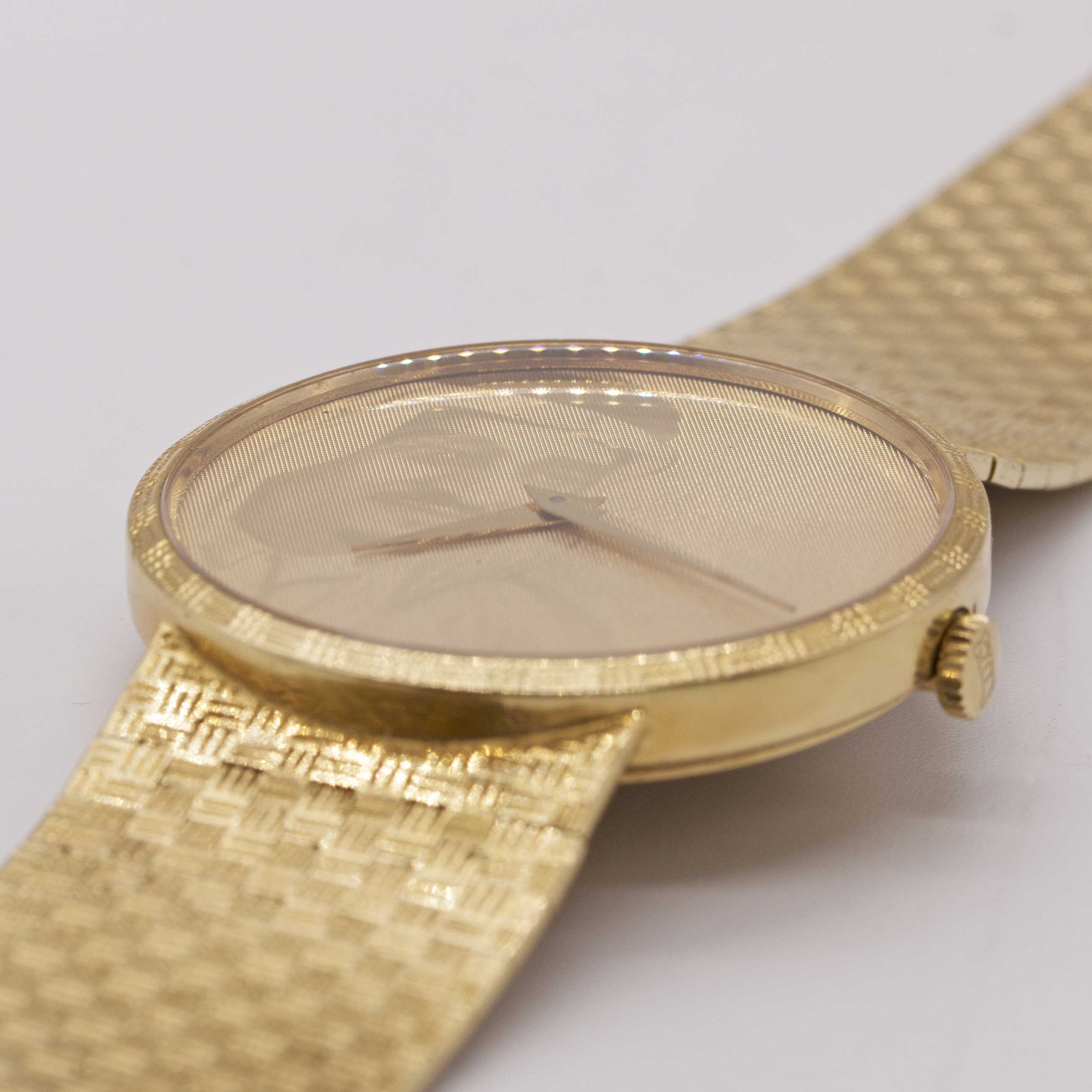 Lot 15 - A RARE GENTLEMAN'S 18K SOLID YELLOW GOLD CHOPARD AUTOMATIC BRACELET WATCH CIRCA 1980s, REF. 1038 1