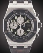 A GENTLEMAN'S STAINLESS STEEL & RUBBER AUDEMARS PIGUET ROYAL OAK OFFSHORE CHRONOGRAPH WRIST WATCH