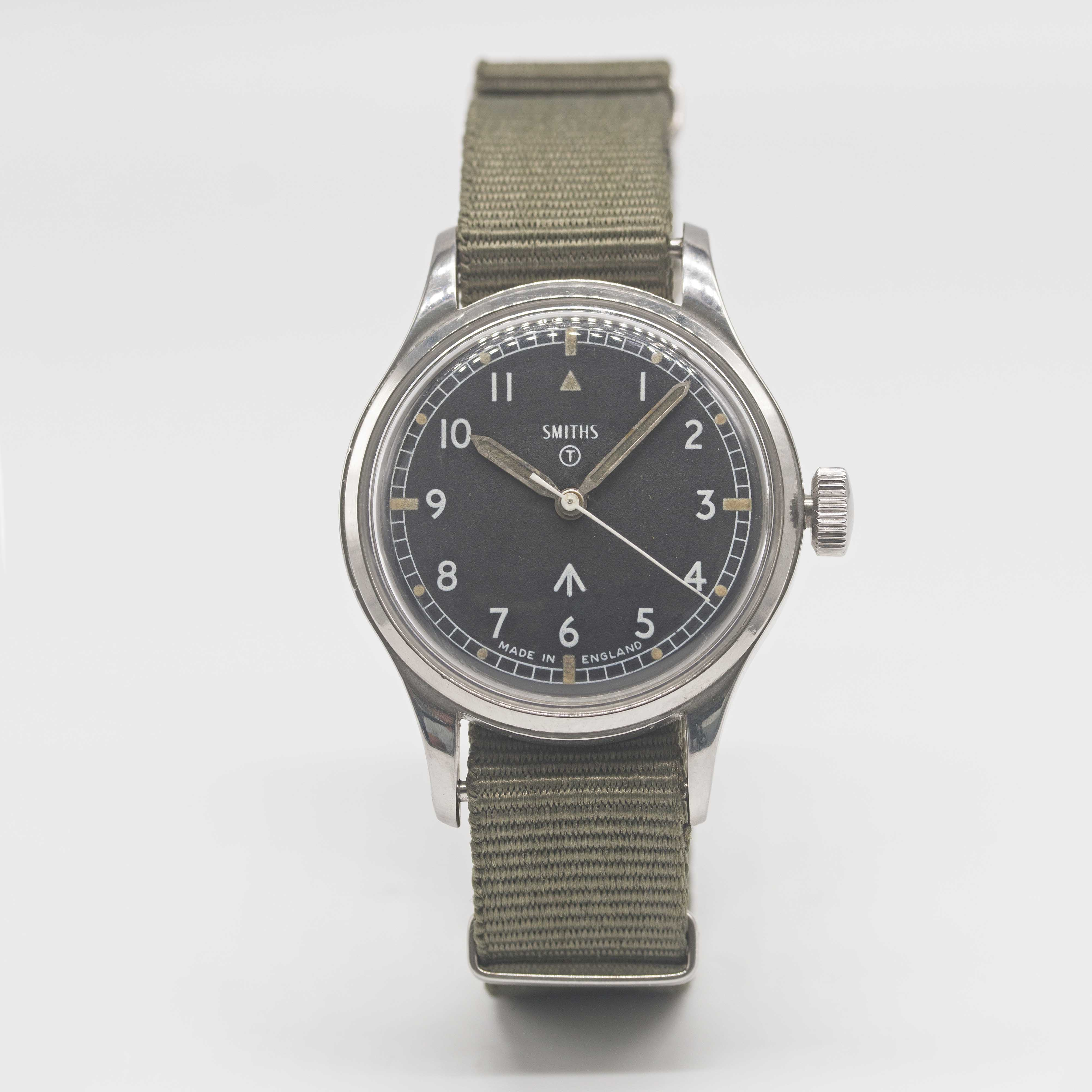 Lot 33 - A GENTLEMAN'S STAINLESS STEEL BRITISH MILITARY SMITHS WRIST WATCH DATED 1970 Movement:17J, manual