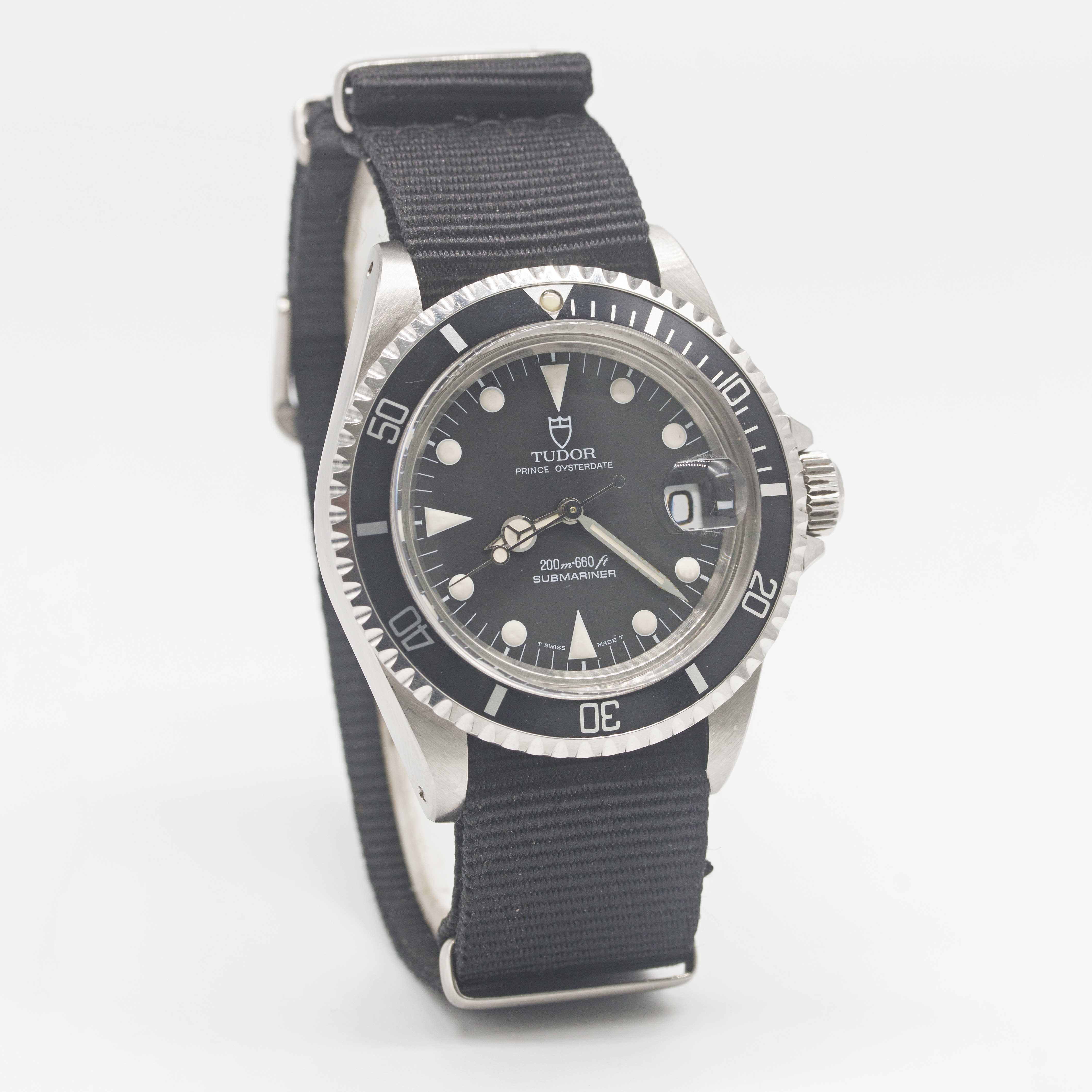 Lot 5 - A GENTLEMAN'S STAINLESS STEEL ROLEX TUDOR PRINCE OYSTERDATE SUBMARINER WRIST WATCH CIRCA 1992,