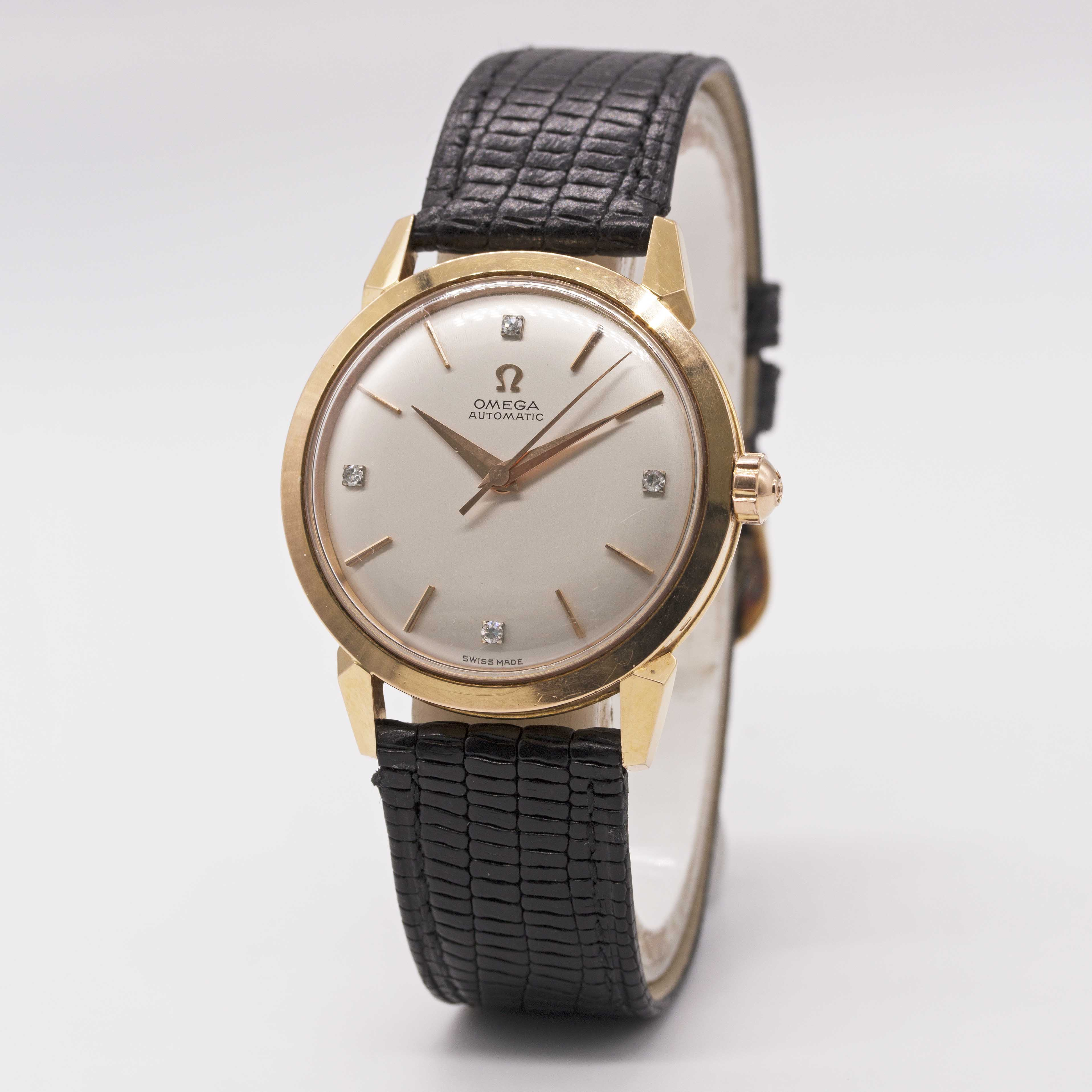 Lot 16 - A FINE GENTLEMAN'S 18K SOLID ROSE GOLD OMEGA AUTOMATIC WRIST WATCH CIRCA 1952, REF. 2736 S.C WITH