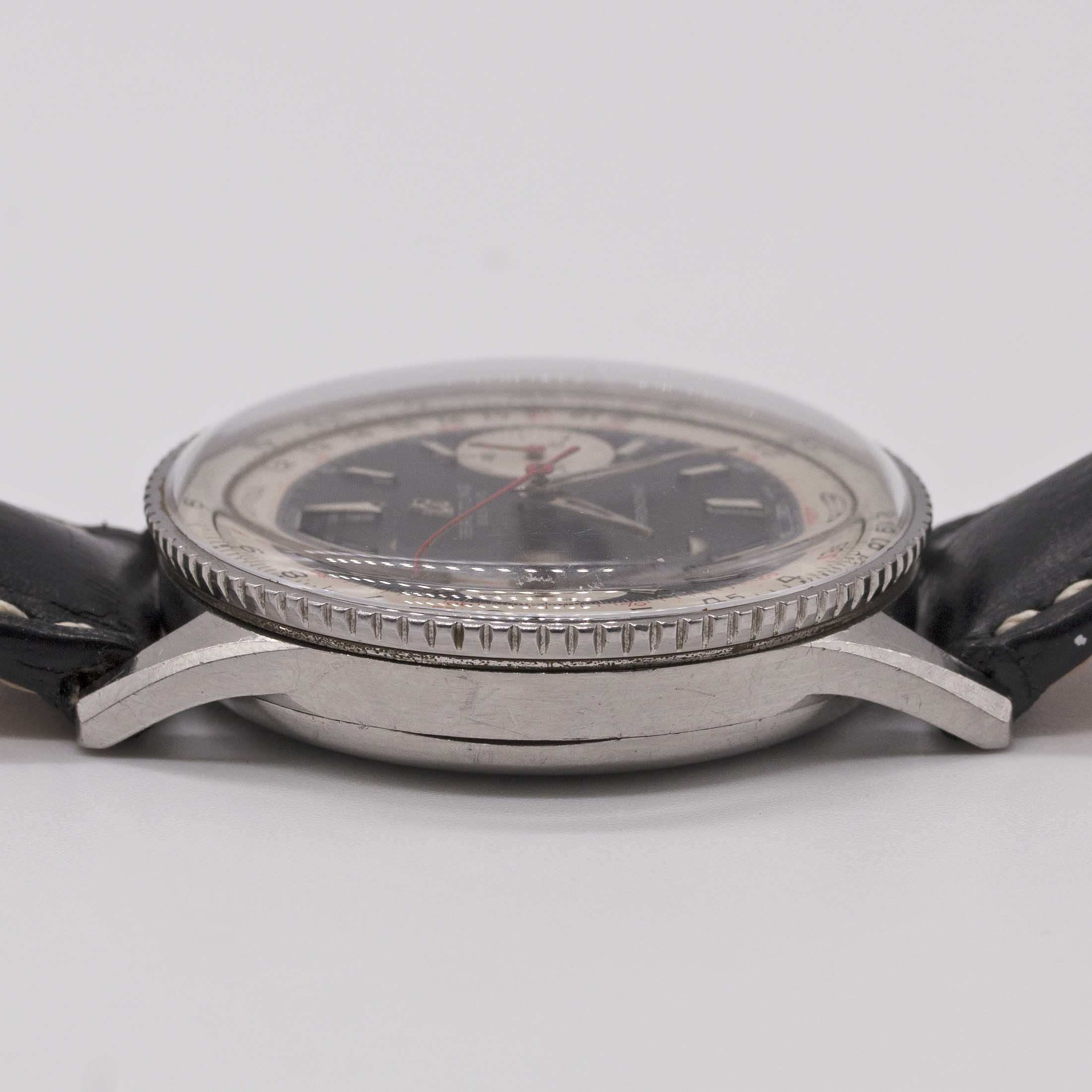 Lot 25 - A GENTLEMAN'S STAINLESS STEEL BREITLING CHRONOMAT CHRONOGRAPH WRIST WATCH CIRCA 1963, REF. 808