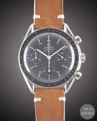 A GENTLEMAN'S STAINLESS STEEL OMEGA SPEEDMASTER AUTOMATIC CHRONOGRAPH WRIST WATCH CIRCA 2000, REF.