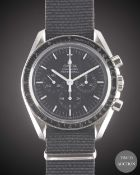 A GENTLEMAN'S STAINLESS STEEL OMEGA SPEEDMASTER PROFESSIONAL CHRONOGRAPH WRIST WATCH CIRCA 2000,