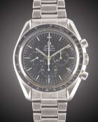 A GENTLEMAN'S STAINLESS STEEL OMEGA SPEEDMASTER PROFESSIONAL CHRONOGRAPH BRACELET WATCH CIRCA