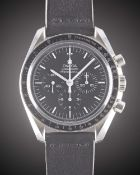 A GENTLEMAN'S STAINLESS STEEL OMEGA SPEEDMASTER PROFESSIONAL CHRONOGRAPH WRIST WATCH CIRCA 2000s