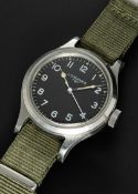 A GENTLEMAN'S STAINLESS STEEL BRITISH MILITARY LONGINES RAF PILOTS WRIST WATCH DATED 1956, WITH