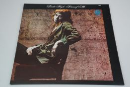 Vinyl - Linda Hoyle Pieces Of Me (Vertigo 630 060). Gatefold sleeve in Ex condition other than