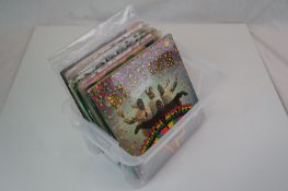 Vinyl - 21 The Beatles and related 45s and EPs to include Magical Mystery Tour MMT1, Hard Days