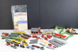 25 + Lone Star Triple OOO Gauge items of diecast model railway to include 3 x Locomotives (EL60