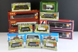 16 Boxed OO gauge items of rolling stock to include 7 x Wrenn, 6 x Airfix, 2 x Lima and 1 x Replica