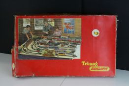 Boxed Triang OO gauge RS37 train set with Davy Crockett Locomotive and tender, two coaches and track