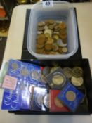 Box of various English commemorative coins, and a plastic tray of assorted old coins,