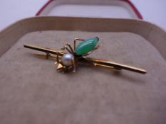 Superb 1920's vintage 14ct GOLD bar brooch, Oriental origin, the bar decorated with a model of a