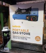 HALFORDS PORTABLE GAS STOVE WITH SPARE GAS CAN