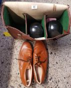 LEATHER SLAZENGER BOWLING BAG OF 4 WOODS AND COL