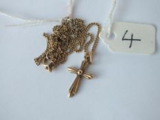 A cross penant necklace in 9ct - 3.4gms