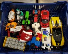 SAICO DIECAST LOTUS CAR 1/28 & VARIOUS OTHERS & QTY OF TOY FIGURES & ANIMALS