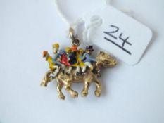 An enamel Widdecombe Fair charm in 9ct - 7.7gms
