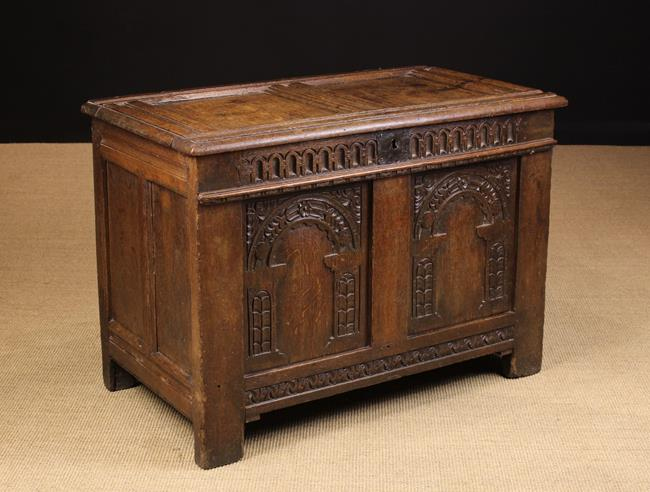 Lot 549 - An Attractive 17th Century Twin-panel Coffer.
