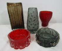 Whitefriars - Five textured glass pieces to include a slab vase, 21cm high, a further grey vase, red