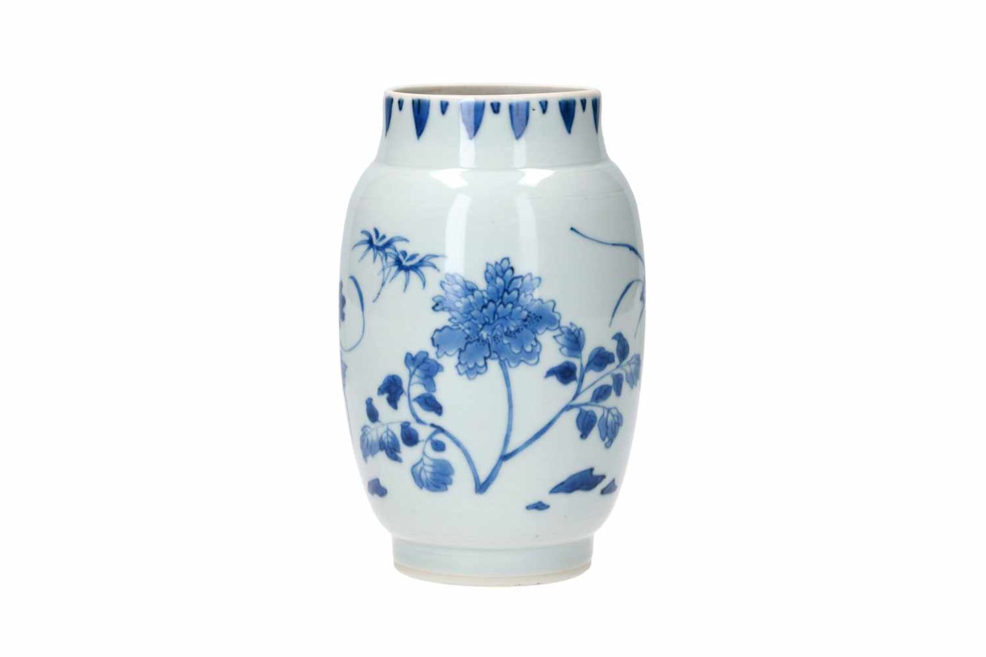 A blue and white porcelain jar, decorated with flowers. Unmarked. China, Transition. - Bild 2 aus 7