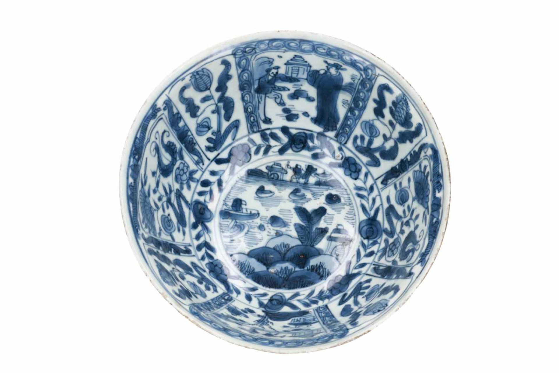 A blue and white porcelain bowl, decorated with figures, tulips and landscapes. Unmarked. China, - Bild 5 aus 6