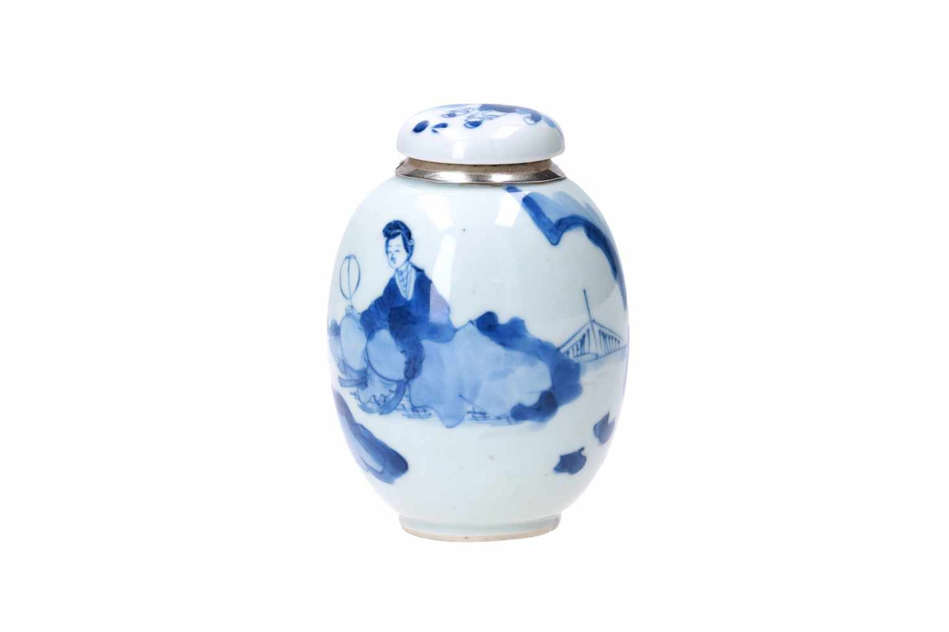 A blue and white porcelain lidded jar with later Dutch silver mounting, decorated with figures in - Bild 2 aus 11