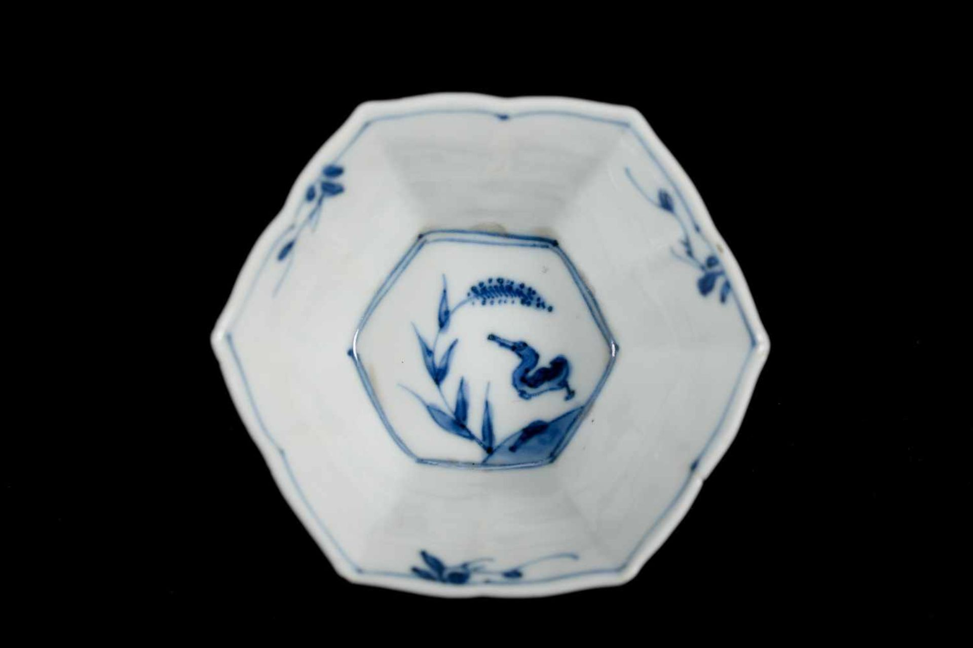 A set of three hexagonal blue and white porcelain cups with saucers, decorated with ducks, flowers - Bild 12 aus 12
