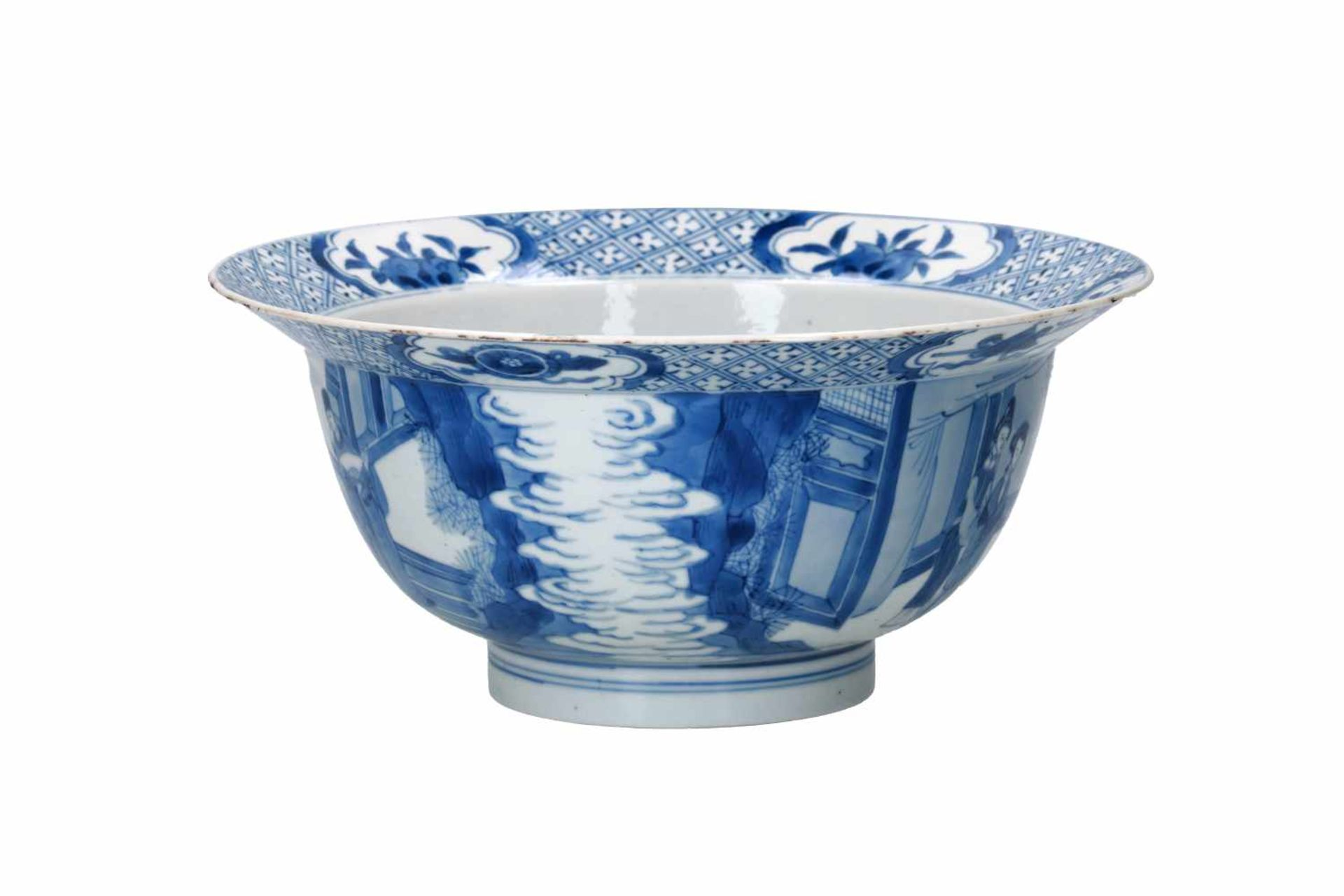 A blue and white porcelain 'klapmuts' bowl, decorated with scenes of the Romance of the Western - Bild 2 aus 6