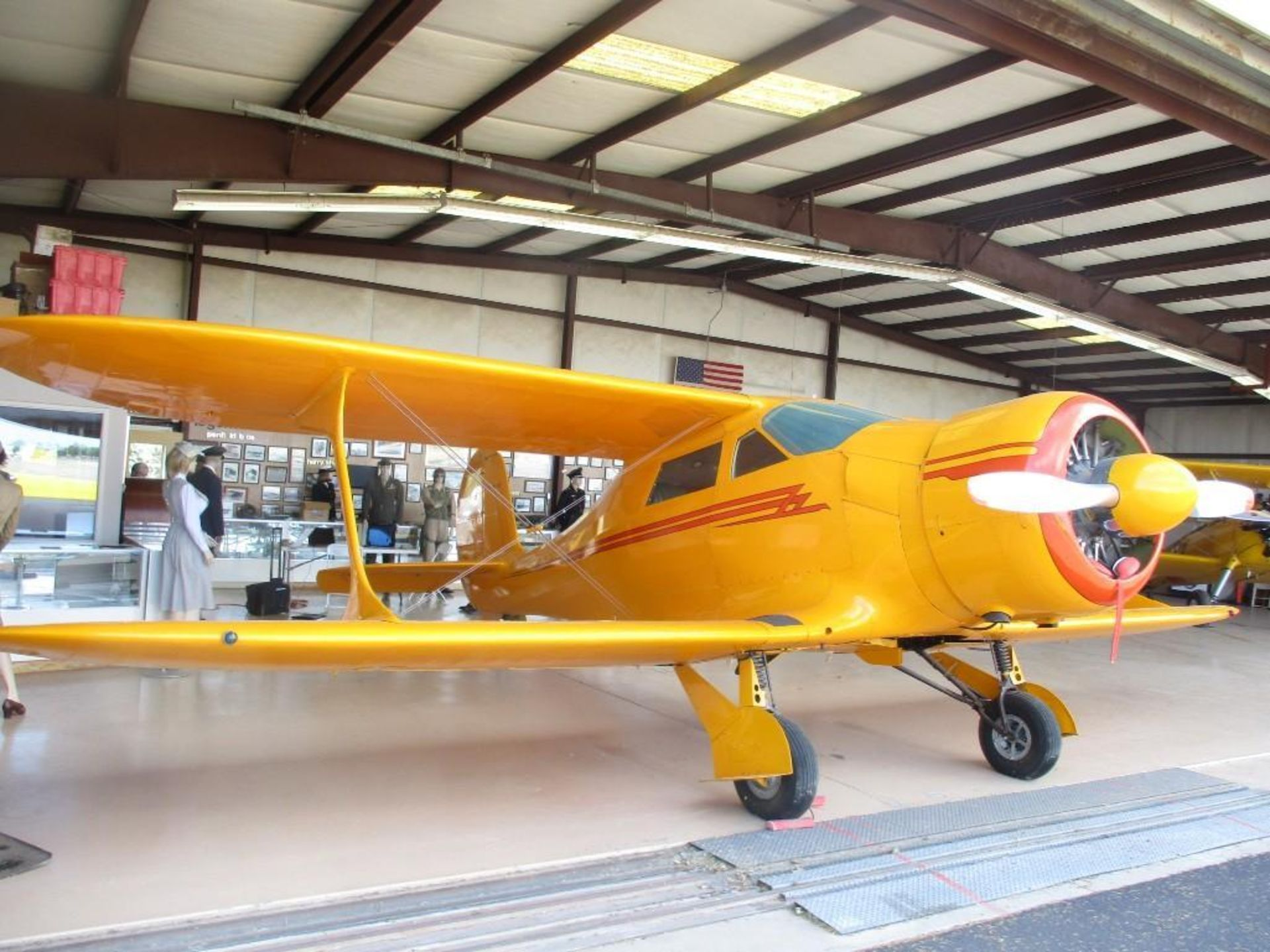1947 BEECHCRAFT D-17S STAGGERWING N1196V S/N 6703 - Image 2 of 7