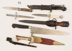 Konvolut Blankwaffen, Messer und Bajonette