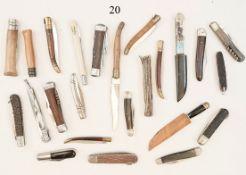 Konvolut 24 ältere Taschenmesser