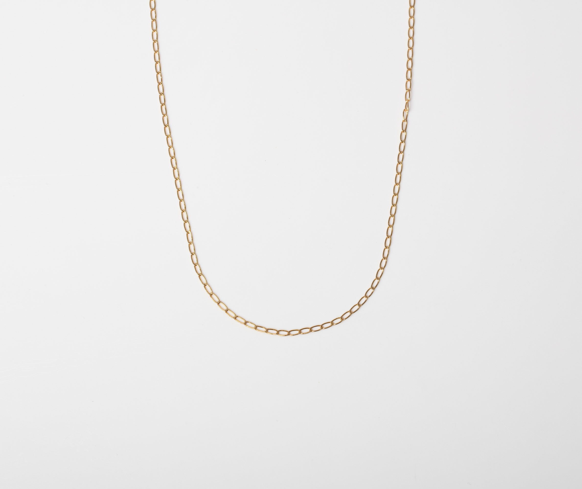 A 9CT GOLD AND SILVER BONDED LONG LINK CURB CHAIN
